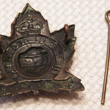 WWII Perth Regiment Cap Badge - Military and Wartime