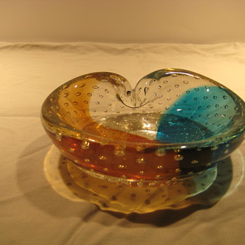 Three color bowl with gold inclusions - Art Glass