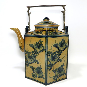 Large Asian (Chinese) Teapot - Asian