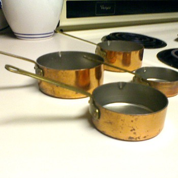 Vintage Heavy Gauge Copper Tin-Lined Measuring Cups/ Mini Sauce Pans - Kitchen