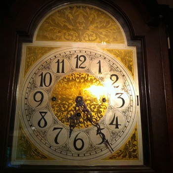 Colonial clock - Clocks