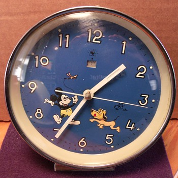 "Mickey Mouse and Pluto ""Nodder"" Alarm Clock - Clocks"