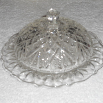 Small covered candy dish - Glassware