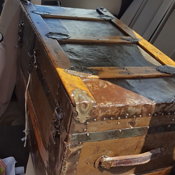 1880s Trunk?-need help