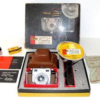 kodak Town & country outfit ( Kodak Bantam RF) - Cameras