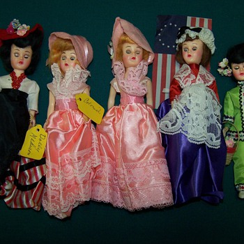 5 dolls - Dolls