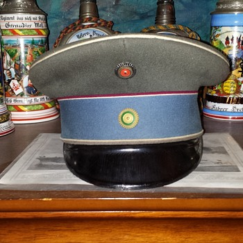 Model 1910 field-gray visor cap of the Kgl. Sächs. (Royal Saxon) 2. Husaren-Regt. Nr.19  - Military and Wartime