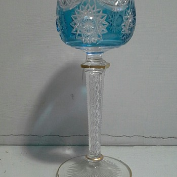 cased and cut roemer glass with twisted airbubbles in the stem - Art Glass