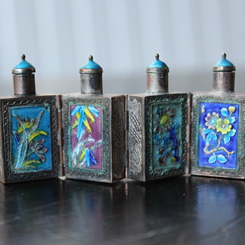 Metal Hinged enameled snuff bottle - Asian