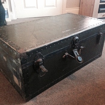 Trunk - can you help identify?