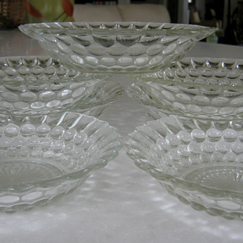 'BUBBLE' GLASS BOWL by Anchor Hoccking