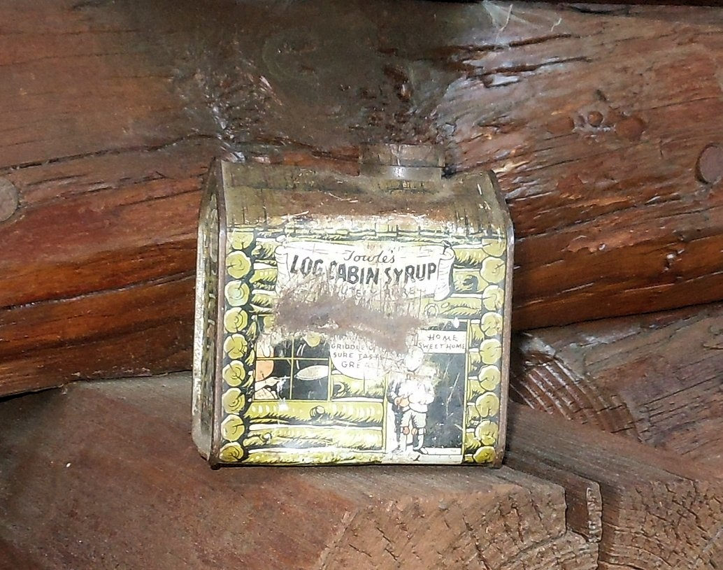 Vintage log cabin syrup tin circa s collectors weekly