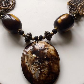 Unusual necklace  - Costume Jewelry