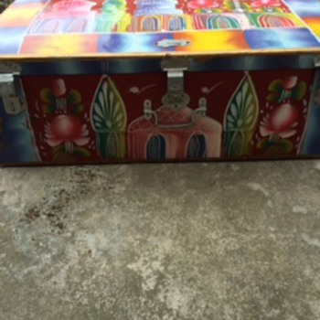 Baska painted trunk - Furniture