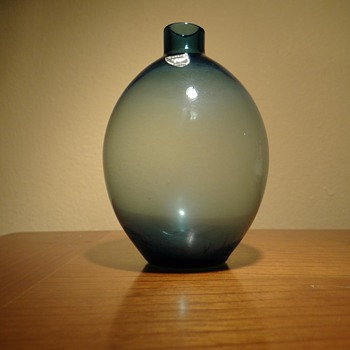 OHRSTROM   FOR  ORREFORS -SWEDEN  - Art Glass