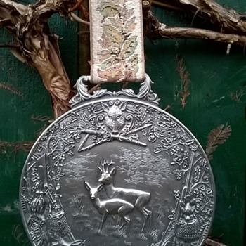 WMF Zinn Pewter Hunting Scene Wall Plaque Medallion 1950s, Flea Market Find, $2.00 - Visual Art