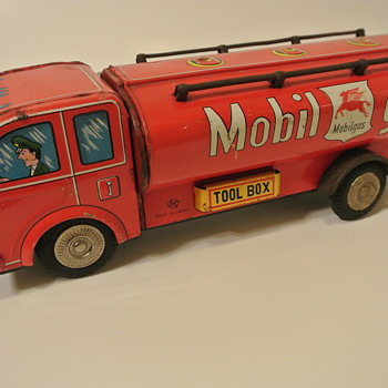Mobil Gas Tin Friction Tanker - Petroliana