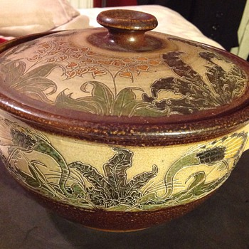 Mosse Llanbrynmair salt glazed lidded pot.