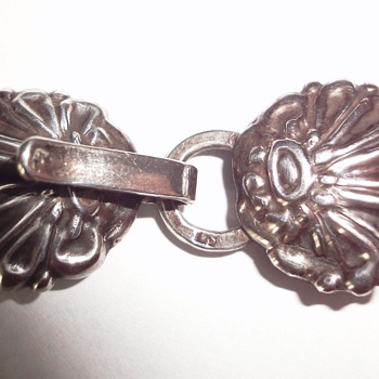 Victorian Silver Closure; a nice combination with my Silver Antique pendant