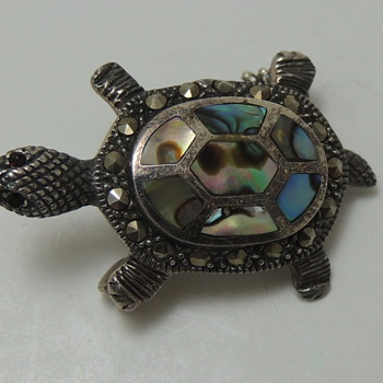 STERLING SILVER PIN - Turtle with Abalone and ?