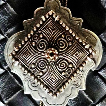 Antique necklace gold on black silver slide - Fine Jewelry