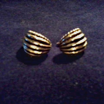 """Oscar De La Renta"" Gold Tone Earrings /Circa Mid 20th Century - Costume Jewelry"