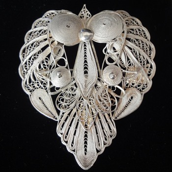Sterling Silver Filigee Heart Shape Brooch