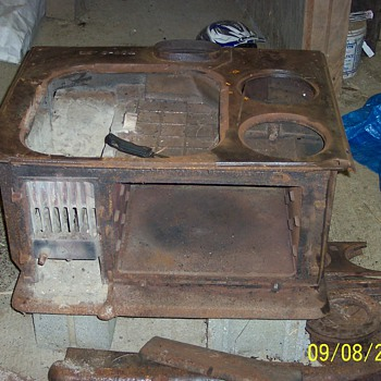 Liberty Bond Cook Stove made by Armstrong Stove &amp; Manufacturing Company, Perryville MD