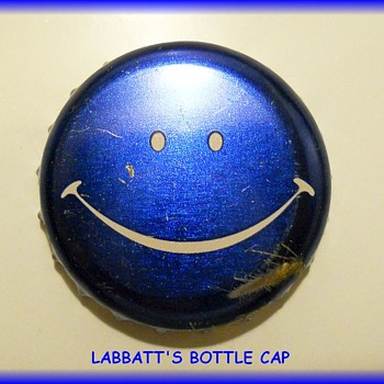 A 1970's LABBATTS BLUE BEER BOTTLE CAP - Happy Face Cap - Breweriana