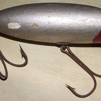 Old lure -- SOS