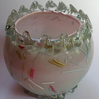 Victorian pink to blue cased Peloton glass rosebowl with rigaree top