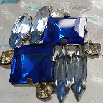 Blue jeweled beauty - Costume Jewelry