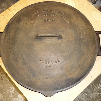 mystery  antique skillet and lid