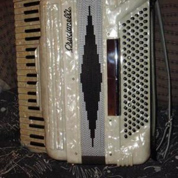 Pearl Accordian - Musical Instruments