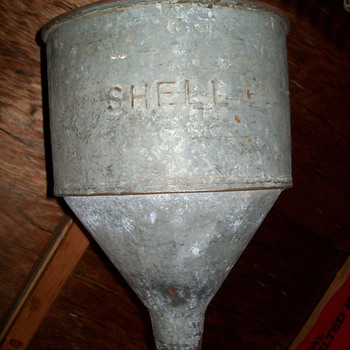 Shell funnel - Petroliana