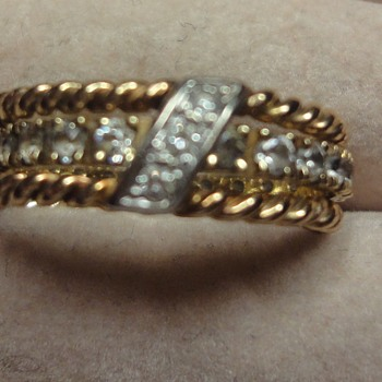 Vintage Yellow turned 14K in between rings. - Fine Jewelry