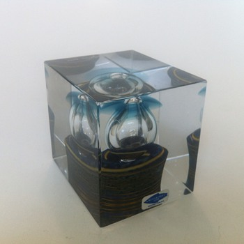 Oiva Toikka - Year Cube 1982 - Art Glass