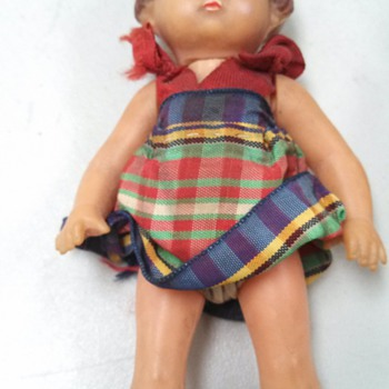 Help Id-ing this doll - Dolls