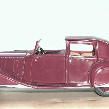 Rolls-Royce: British v. American coachwork.. - Model Cars