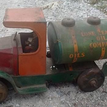 Marx Lone Eagle Oil Company truck