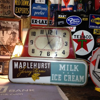Maplehurst Jersey Farms...Milk...Ice Cream Electric Lighted Advertising Clock - Advertising