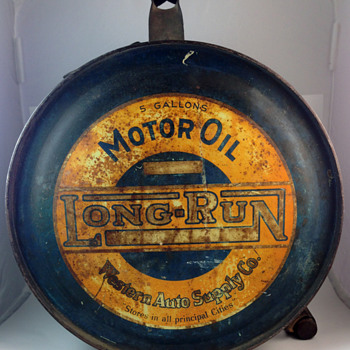 "Long-run ""Rocker"" style motor oil can - Petroliana"