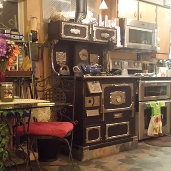 1900 Monarch wood cook stove