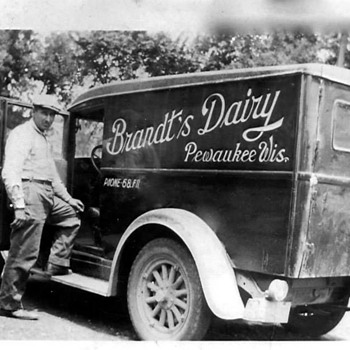 One of my friends Grandpa's Milk truck from my old town - Photographs
