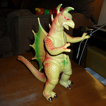 Gigan type Godzilla Toy Figurine - Toys