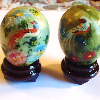 # 15140186 - Hand Painted Mini Stone Eggs w/Stand	$9.77	1	$9.77