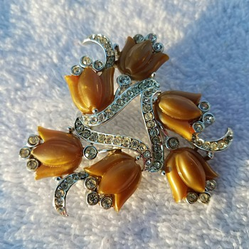 Vintage Caramel Tulip Floral Spray Pin/Brooch - one of my favorites! - Costume Jewelry