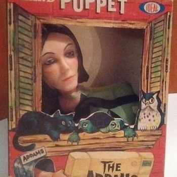 Just picked this up today !!!! 1960's Morticia Addams Puppet with original box