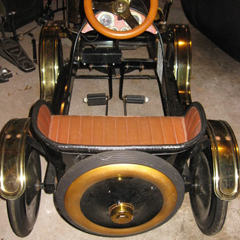 Limited Edition Roadster Pedal Car - Model Cars
