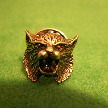 Vintage Bobcat Mascot Lapel Pin ~ Marked:  © '82  7.44